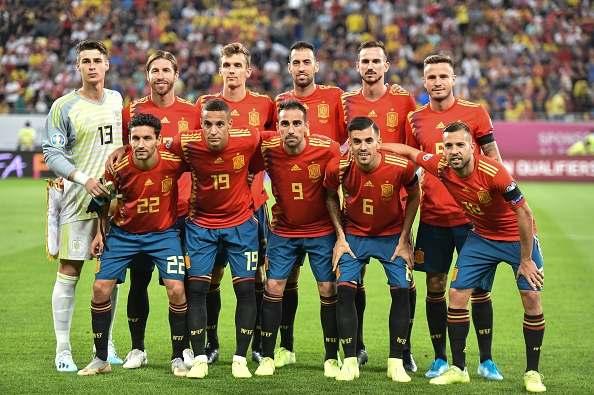 Spaniens landslag i fotboll 594x395