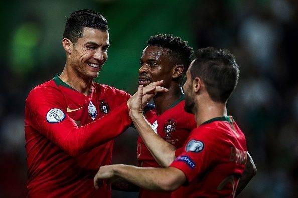 Portugals landslag i fotboll 594x396